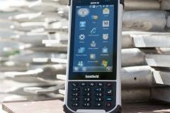 Nautiz-X8-large-sunlight-screen-IP67