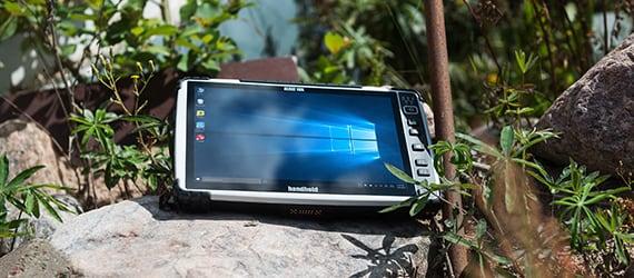 Handheld Algiz 10X in sunny environment