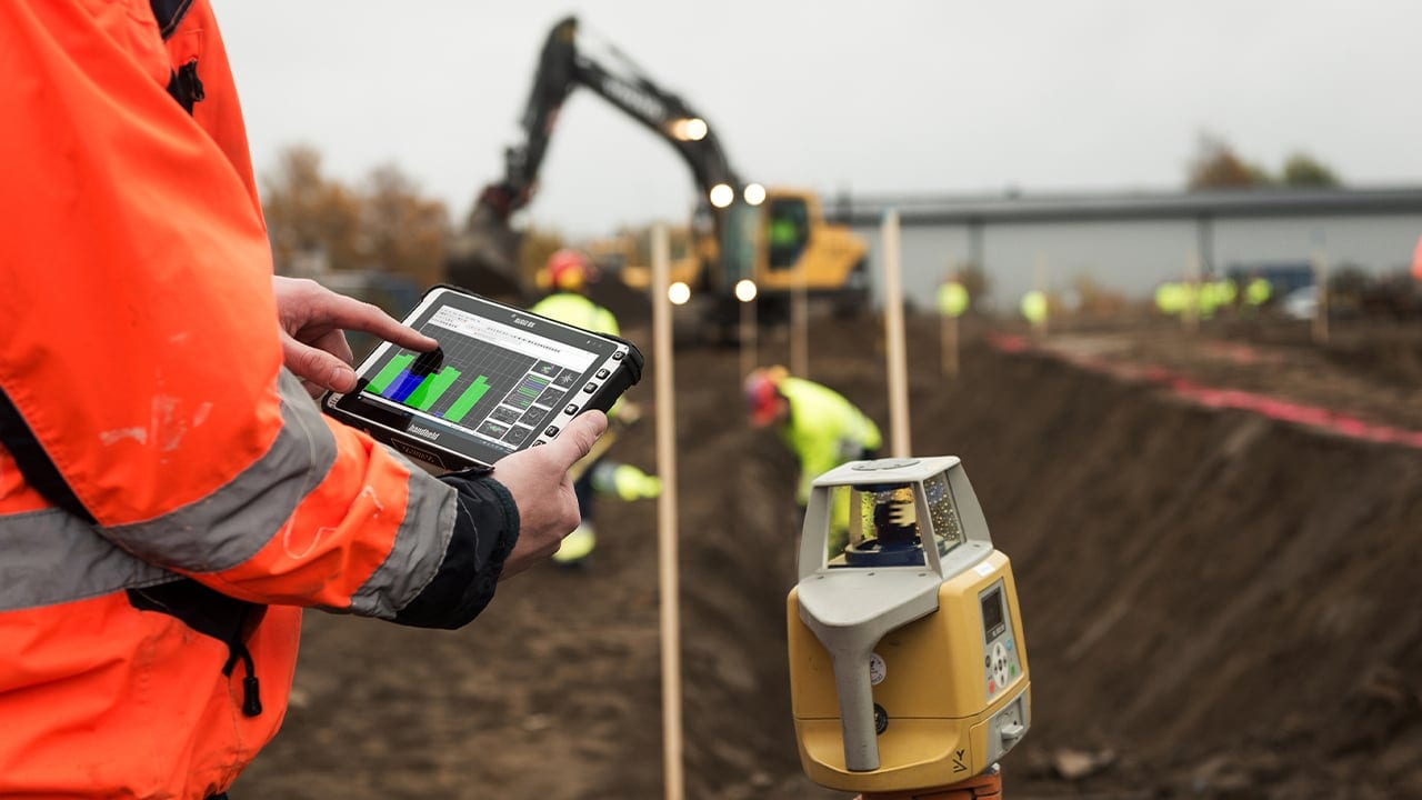 handheld algiz 8x used for gis and mapping