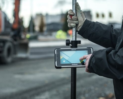 handheld algiz rt7 pole mounted at construction site