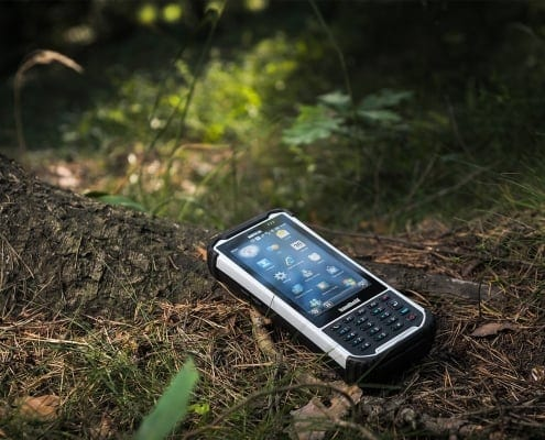 handheld nautiz x8 in forest