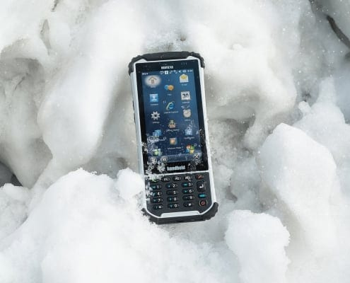 handheld nautiz x8 in snow