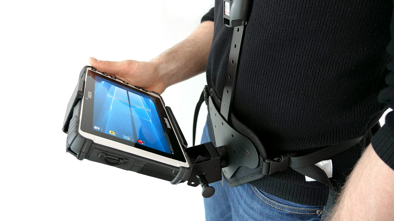 handheld algiz 8x in shoulder carrier