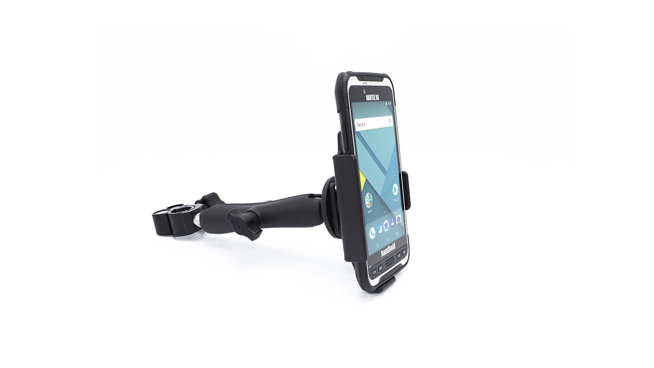 handheld nautiz x6 in pole mount