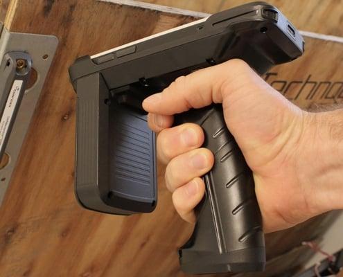handheld nautiz x2 pistol grip rfid scanning